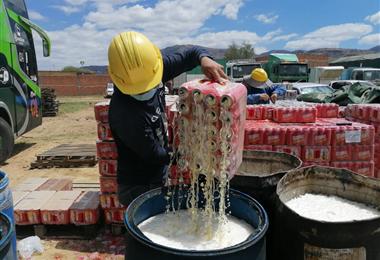 En la mercancía  comisada se advierte una gran cantidad de cerveza argentina