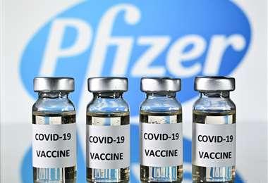 Pfizer pedirá permiso para empezar a vender la vacuna. Foto AFP