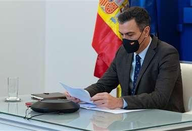 Sánchez explica las proyecciones de la vacunación. Foto AFP