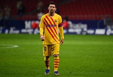 La desazón de Messi, tras la derrota de este sábado del Barcelona. Foto: AFP