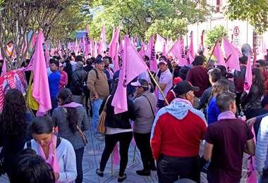 Foto referencial, militantes y partidarios del partido rosado