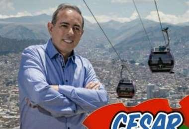 César Dockweiler se promociona con el teleférico.