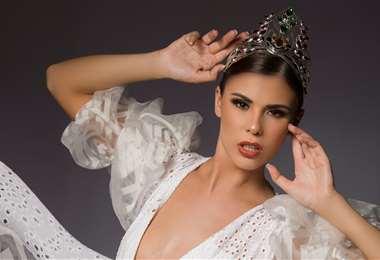 La miss Bolivia, Lenka Nemer, habla inglés, francés y aimara. Foto: Sergio Chuquimia