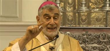 Monseñor Gualberti durante la homilía dominical