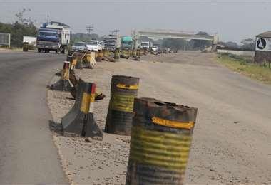El Gobierno quiere reactivar proyectos viales/Foto: Fuad Landívar