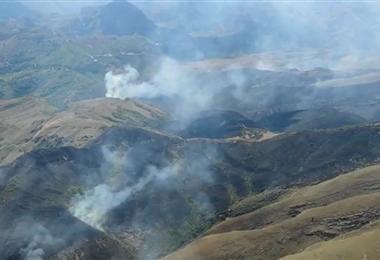 El fuego aún no se ha controlado en Samaipata. Foto. Internet