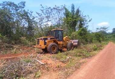 La estatal abrió  un camino para el transporte de equipos/Foto: YPFB