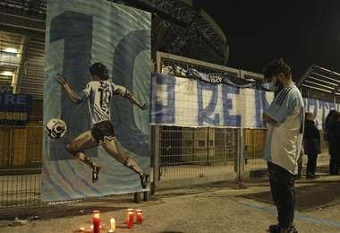 En Nápoles también lo lloran. Foto: AFP