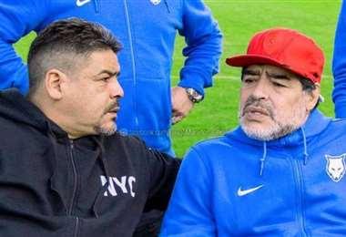 Hugo y Diego en una charla de fútbol. Foto: Internet
