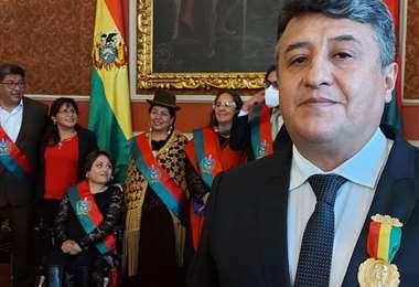 Vásquez recibió el galardón el viernes 27 de noviembre en La Paz