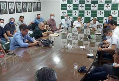 El directorio de la entidad cívica se reunió hoy. Foto: Daniel Castro