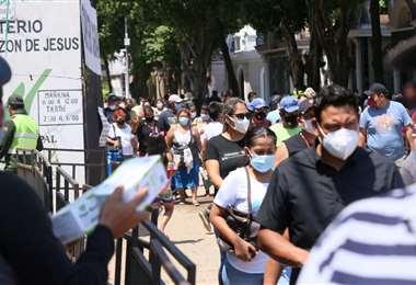 Sedes-Santa Cruz advierte que los hospitales pueden colapsar de nuevo. Foto: Fuad Landívar
