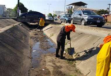 La limpieza durará toda esta semana. Foto: Alcaldía de Santa Cruz