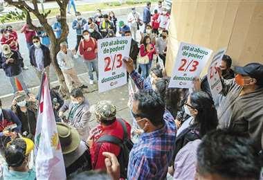 Protesta por los dos tercios
