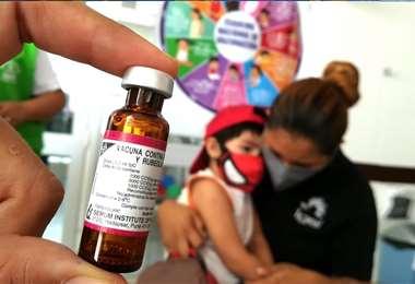 Hay 40.000 dosis disponibles. Foto: Ricardo Montero