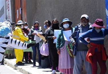 Bolivia registró 69 nuevos casos positivos este martes. Foto APG
