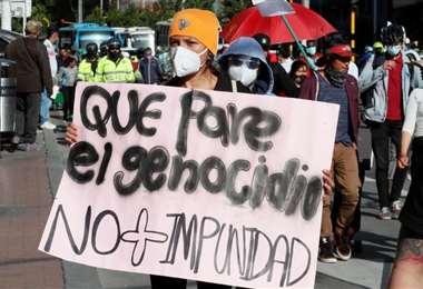 La violencia tiñe a Colombia de luto