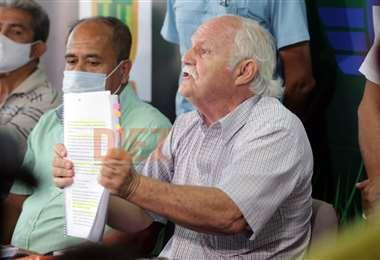 El expresidente de la FBF, Marco Peredo, brindó la conferencia de prensa. F: F.Landívar