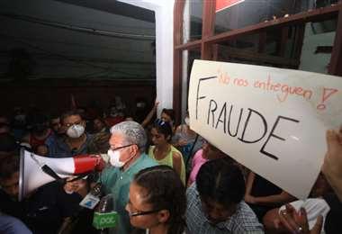 El paspresidente Herland Vaca Díez se retiró una vez llegó la UTOP /Foto: J. Ibáñez