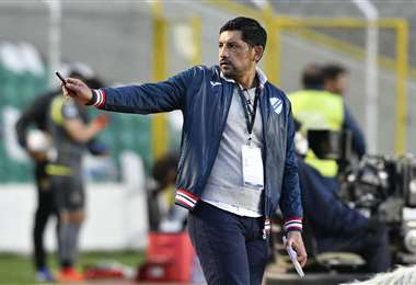 Wálter Flores, entrenador de Bolívar. Foto: AFP