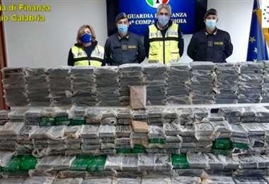 La droga incautada en el puerto italiano. Foto Internet