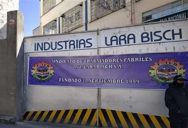 La fábrica en La Paz i Hernan Aldo.