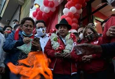 Rafael Quispe será candidato por la Gobernación de La Paz.