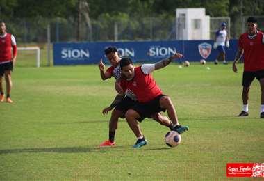 Los jugadores de Royal Pari se entrenan sin pausa. Foto: Prensa Royal Pari