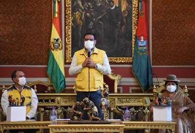 El alcalde de La Paz Luis Revilla, pide recursos al Gobierno central.