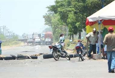 Bloqueos en Montero. Foto: Juan Carlos Fernández