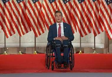 Desde su silla de ruedas Madison Cawthorn hizo su campaña electoral