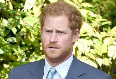 El príncipe Harry cuenta que cuando discriminan a su esposa, le hacen daño a él
