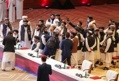 Talibanes piden a Joe Biden respetar el acuerdo de retirada de tropas de Afganistán