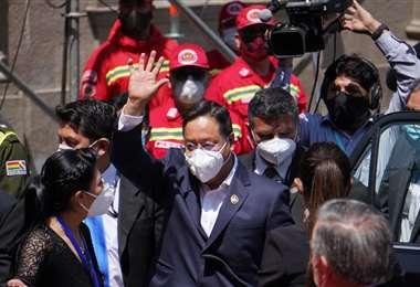 El economista de izquierda Luis Arce asumió la presidencia de Bolivia