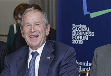 Actualmente, George W. Bush tiene 74 años