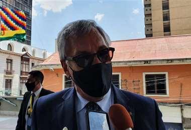 Rodríguez Veltzé habló del tema cuando acudió a la transmisión de mando