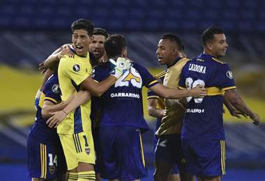 El festejo de Boca tras asegurar el pase a cuartos. Foto: AFP
