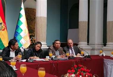 La oposición reprochó la sugerencia de Morales. El canciller Mayta no tomó definiciones