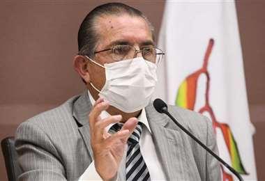 El ministro de salud, Edgar Pozo, estará en Santa Cruz este viernes