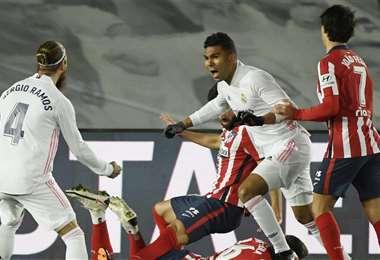 Casemiro celebrando tras marcar el primero para el Real Madrid. Foto: AFP