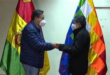 Arce parte a Brasil para revisión médica y entrega bastón de mando al Vicepresidente /ABI