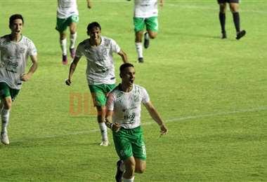 Palmieri celebrando el primer gol. Foto: Juan C. Torrejón