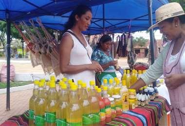En la feria se pude disfrutar de distintos productos (Foto: Desther Agreda)