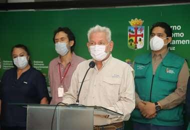 Costas oficializó el rebrote del covid-19 en Santa Cruz