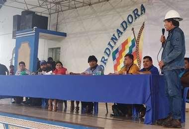 En la reunión se aborda el tema de candidaturas para los nueve departamentos