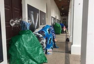 Comerciantes ambulantes se asientan en la Manzana Uno. Foto: Leyla Anas