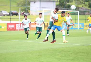 La sub-20 enfrentó el sábado a Brasil en el cuadrangular. Foto: FBF