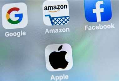 El blanco de Facebook es la actualización por Apple de su sistema de explotación móvil iOS