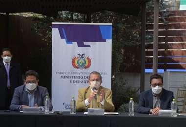 La reunión de los directores de Sedes con el Gobierno en La Paz (Foto: APG noticias)