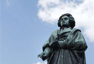 Estatua de Bethoveen en su ciudad natal Bonn